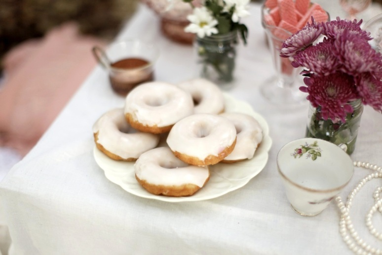 wedding dessert table styling donuts